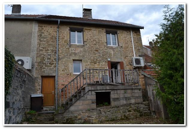 Rustig gelegen dorpswoning met tuin en mooi uitzicht, Haute-Marne, Frankrijk