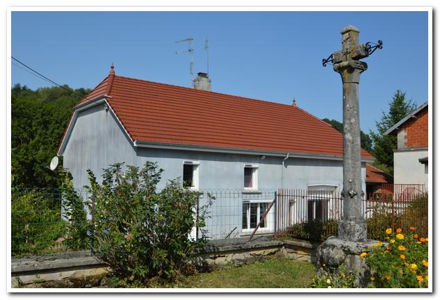 Vrijstaande woonboerderij met mooi perceel en uitzicht, Haute-Marne, Frankrijk