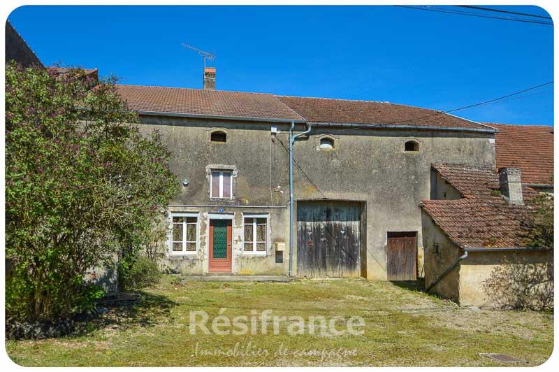 Karakteristieke dorpsboerderij met tuin in charmant dorpje, Haute-Marne, Frankrijk