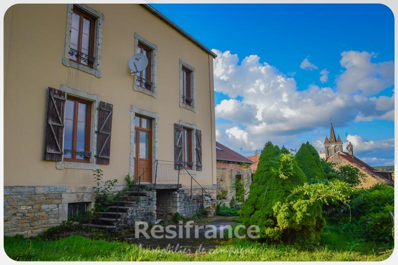 Maison de Caractère met tuin en uitzicht, Haute-Marne, Frankrijk