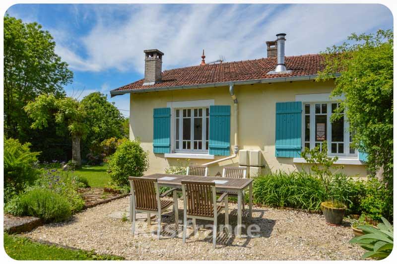 Charmante dorpswoning met prachtige tuin, Haute-Saone, Frankrijk