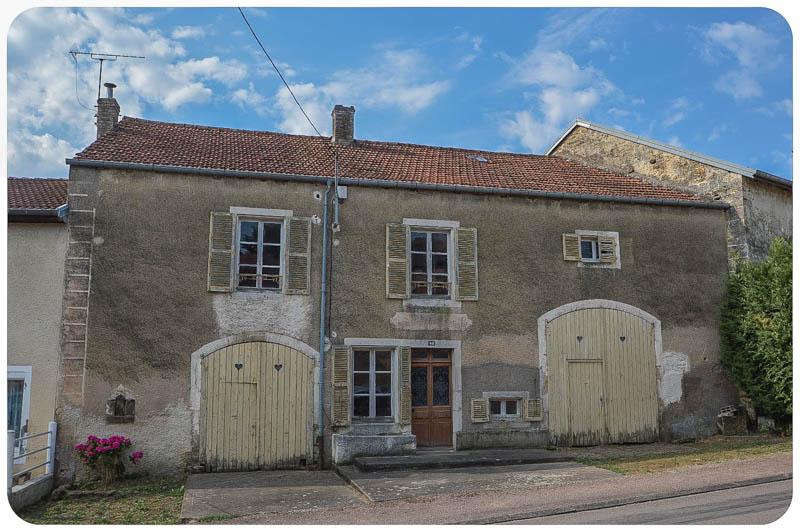 Karakteristieke dorpsboerderij met zonnige tuin en uitzicht, Haute-Marne, Frankrijk