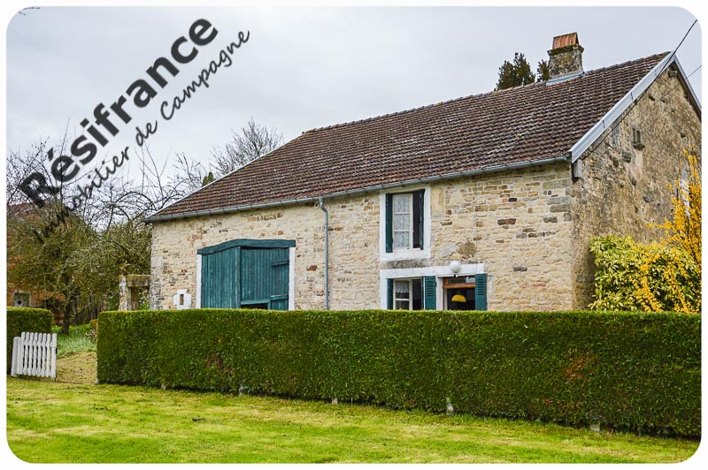 Charmante vrijstaande dorpsboerderij met ruime tuin, Haute-Marne, Frankrijk