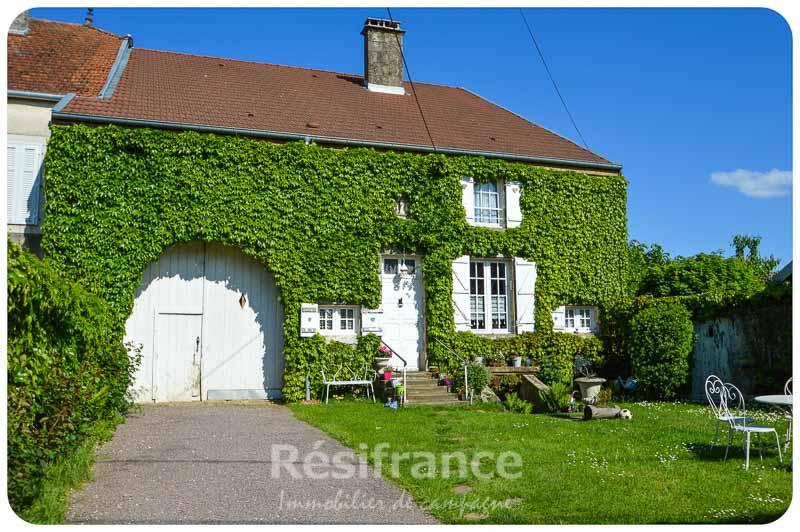 Karakteristieke dorpsboerderij schitterende tuin en uitzicht, Haute-Marne, Frankrijk