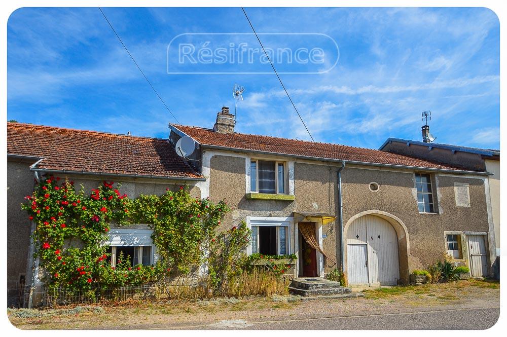 Karakteristieke dorpsboerderij met grote tuin en uitzicht, Haute-Marne, Frankrijk