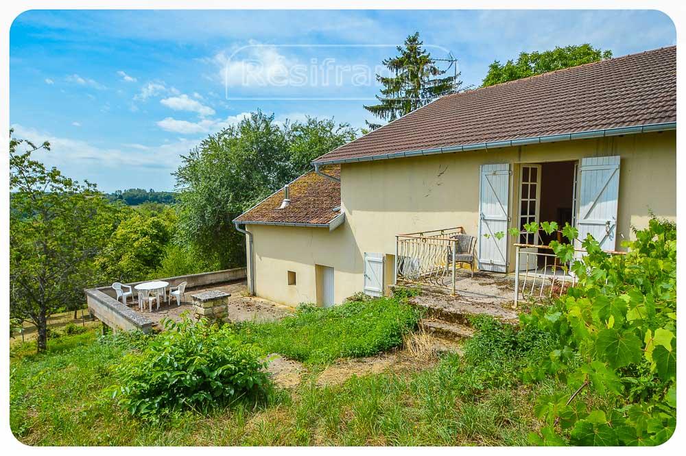 Romantische dorpswoning met groot terrein en uitzicht, Haute-Marne, Frankrijk