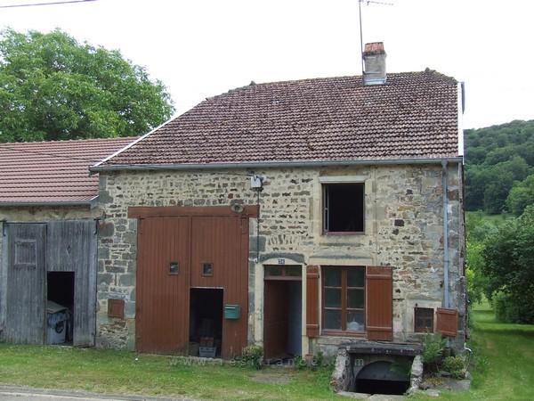 Vrijstaande dorpsboerderij met tuin en uizicht, Haute-Marne, Frankrijk