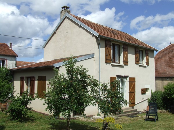 Vrijstaande dorpswoning met tuin en uitzicht, Haute-Marne, Frankrijk